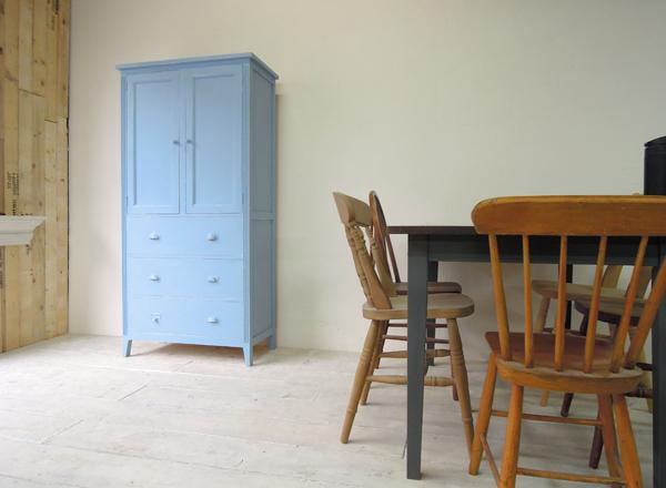 大阪のアンティーク調家具製作