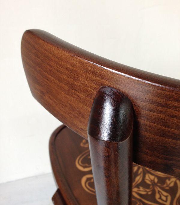 曲げ木椅子、座り心地のよい椅子