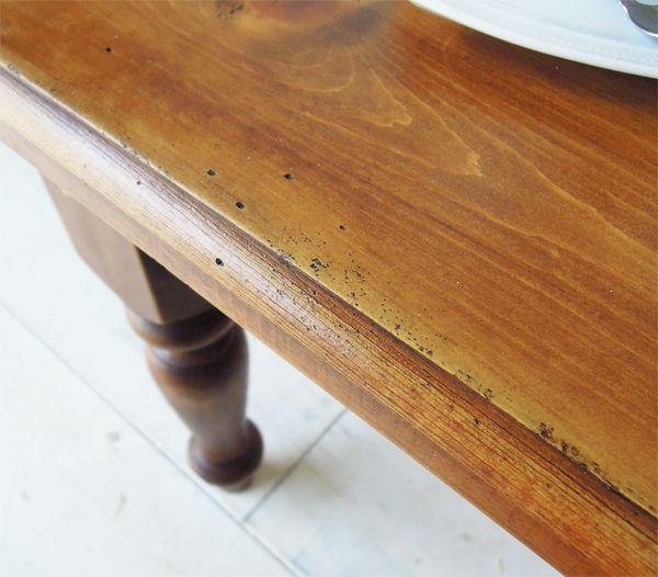 エイジングを施したアンティーク調ローテーブル