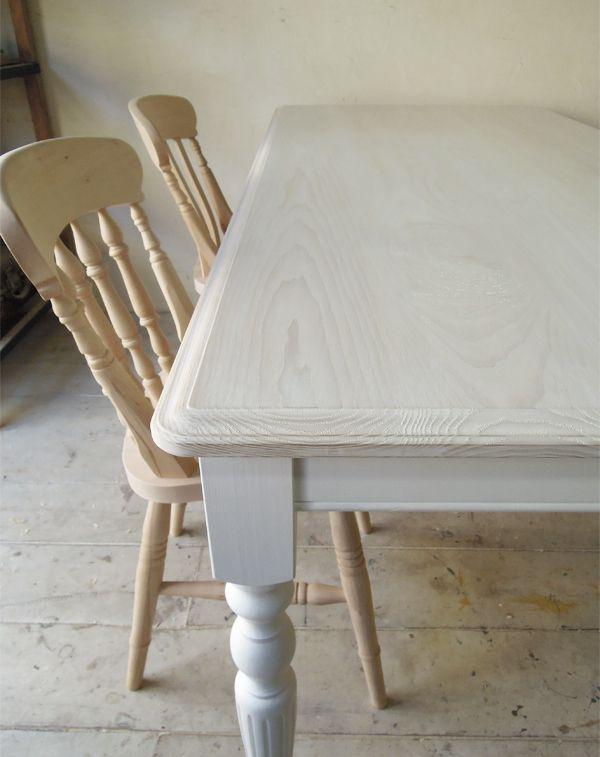 6人掛けダイニングテーブル /><br />  W1800は片側に椅子が3脚づつ入ります。天板高は通常76cmで座面高45cm程度の椅子がおすすめです。<br />  お持ちの椅子に合わせて天板高を低くすることも可能ですので、お気軽にお問合せ下さい。<br /> <br /> <img src=