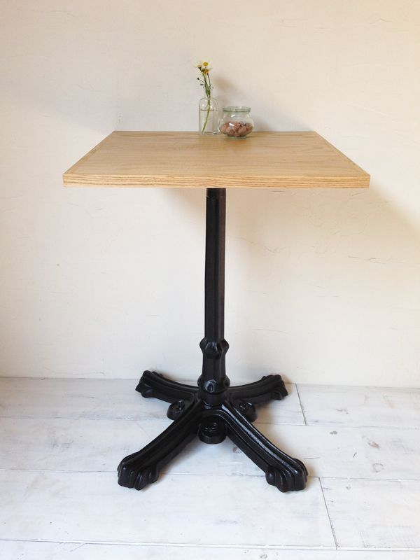 飲食店・カフェの鉄脚テーブル600角、サイズオーダー無垢板アッシュ
