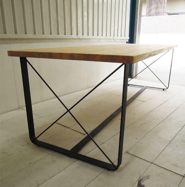 アイアンレッグテーブル,鉄脚
