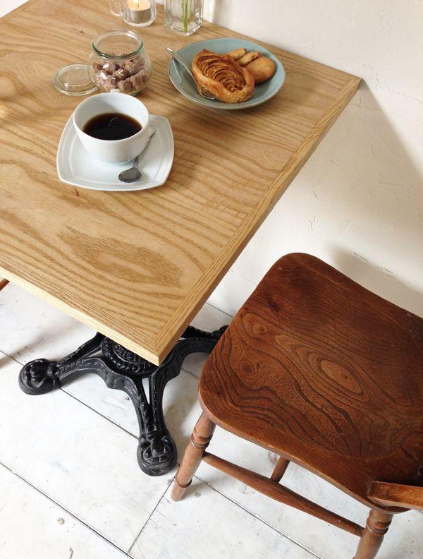 業務用アイアンテーブル、カフェやレストランにおすすめ