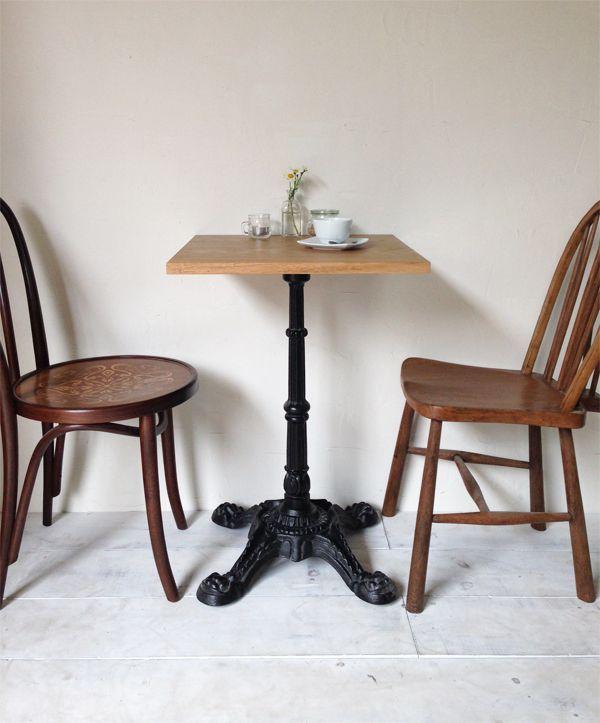 飲食店カフェ向けのアイアンテーブル600角、オーク無垢板