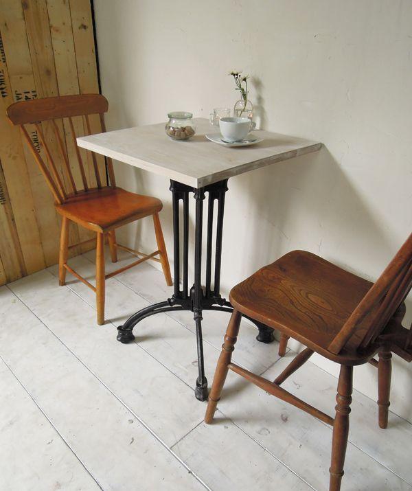 飲食店カフェスタイルの鉄脚ダイニイグテーブル500角、ホワイトアッシュ無垢板