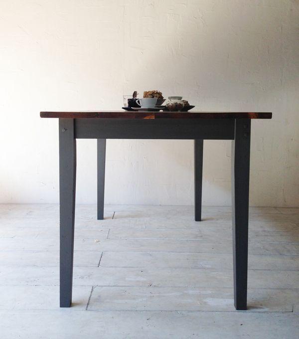 パイン材で作るシャビグレーーダイニングテーブル
