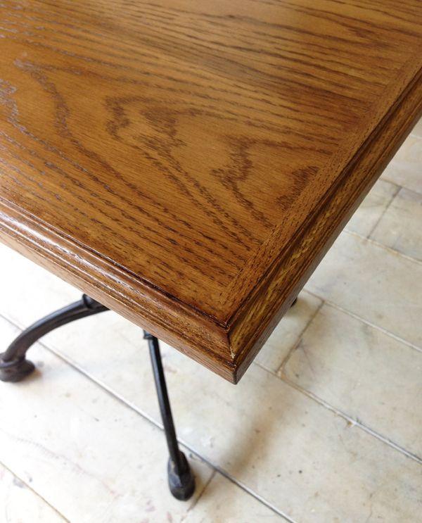 防水ウレタン加工を施した無垢板テーブル