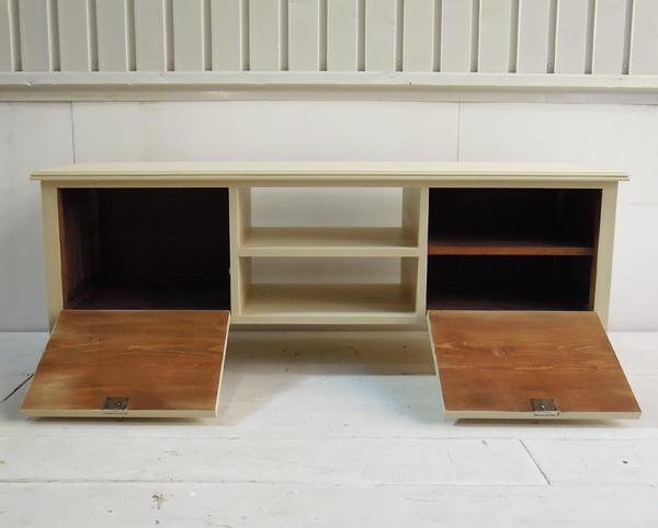 アンティーク風テレビボード