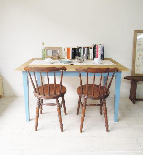 かわいいアンティークダイニングテーブル、パイン材