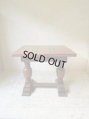 イギリスアンティーク家具のオークドローリーフテーブル