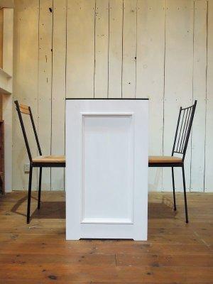 オーダーメイドでつくるネイルテーブルがあるってご存知ですか?