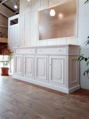 まるでフランスアンティーク家具!オーダーメイドのサイドボードです。