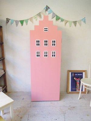 ビルの形をした収納棚、本棚や子供用タンスに