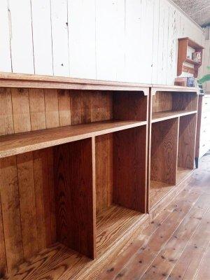 オーク材を使ったオープンシェルフ、お店の収納家具にオーダーメイドさせていただきました。