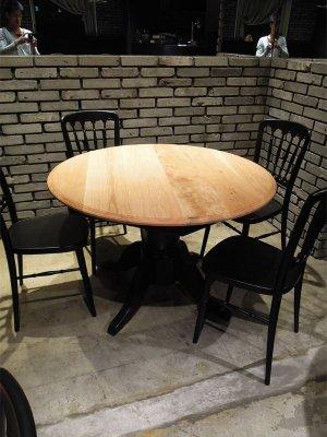 飲食店におすすめのラウンドテーブル