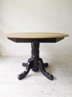 直径1100の丸テーブル、サイズ変更も可能です
