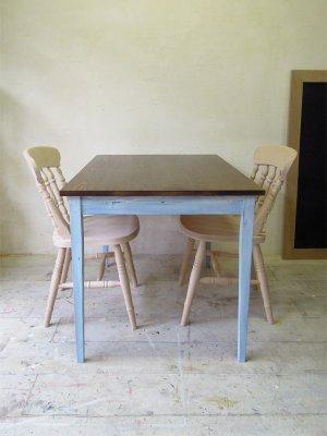 二人暮らしのカフェダイニングにおすすめのテーブル