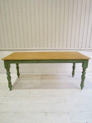 ブロカントアンティークをイメージして作った、パイン材ダイニングテーブル(W1800)。