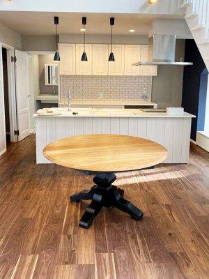 ご新築に合わせて家族団らんの大きなマルテーブルを製作させて頂きました。