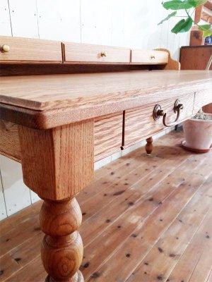 ホワイトオーク材で作る高級感あふれるワークデスク、書斎机や学習机に良質な木材を使った本物を。