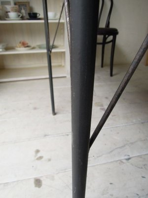 錆加工、黒皮風の鉄脚です