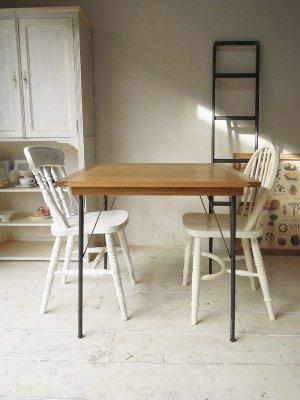 ダイニングテーブル、店舗展示台におすすめの鉄脚テーブル