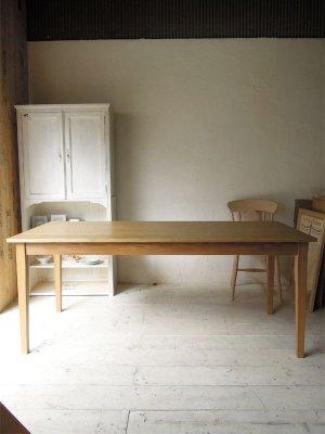 写真はW1800、D800の6人掛けテーブルです