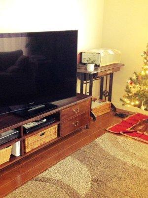パイン材を使ったアンティーク風テレビボード