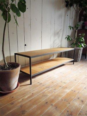 サイズ・カラー・木材を選べるオーダーメイドのアイアンテレビボードです。