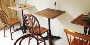カフェや飲食店向け鉄脚テーブル