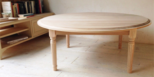 オーク材を使った丸天板リビングテーブル