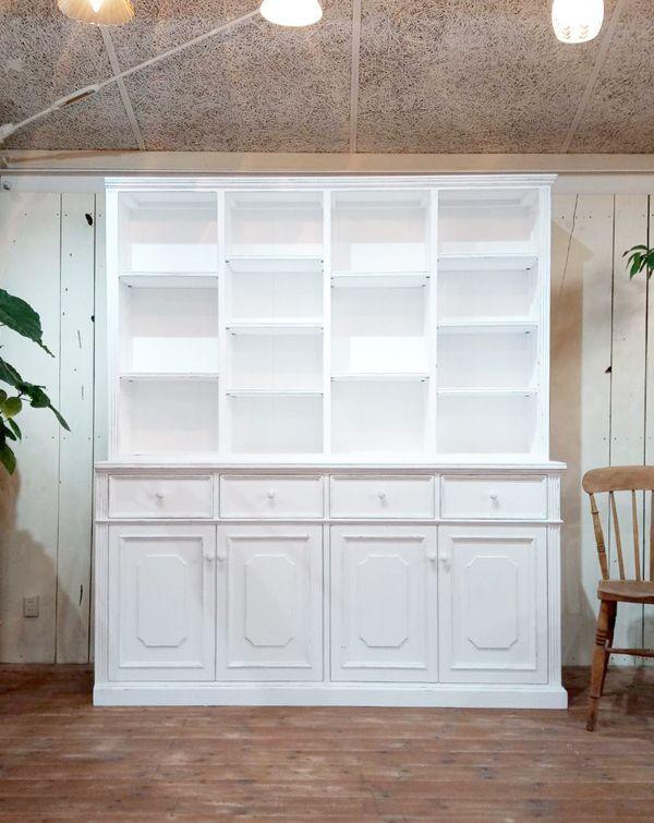 サイズオーダーできる壁面収納家具(壁面本棚)