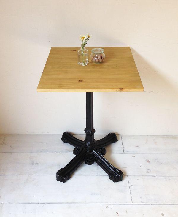 飲食店・カフェの鉄脚テーブル600角、サイズオーダー無垢板