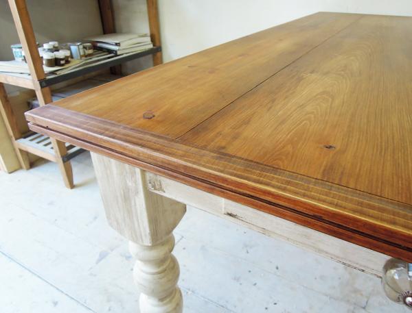 テーブル天板のミゾギリ