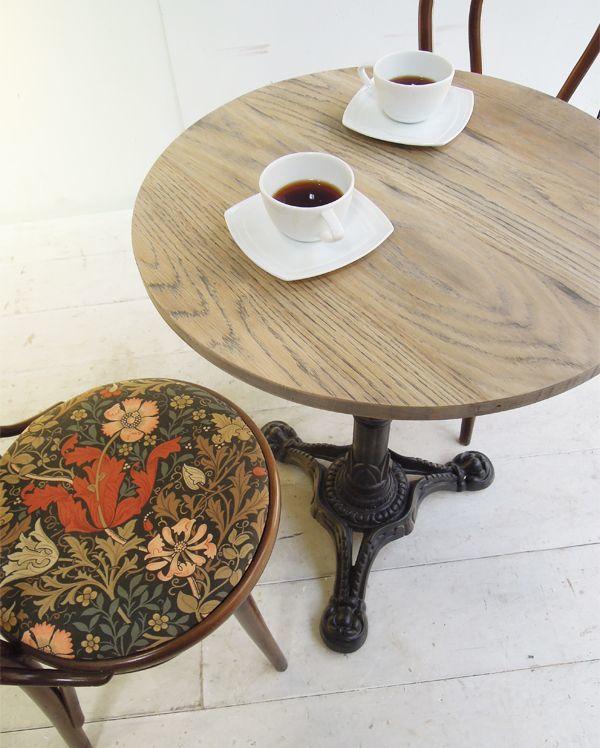 カフェ向けラウンドテーブル