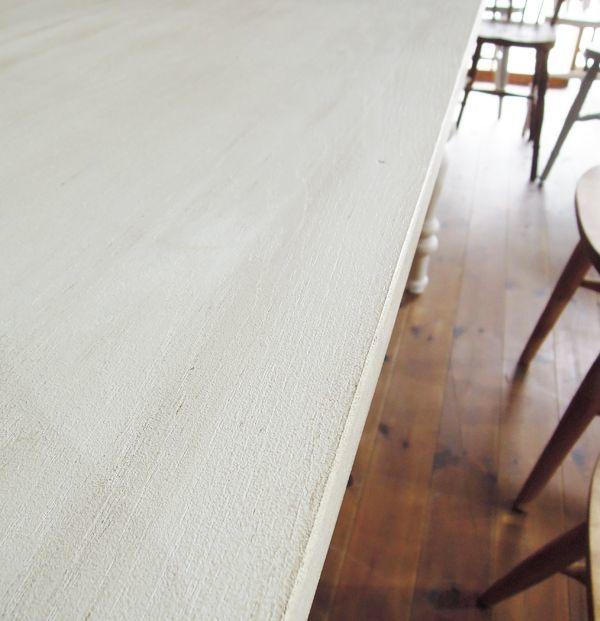 シャビーホワイトのフランスアンティーク調テーブル