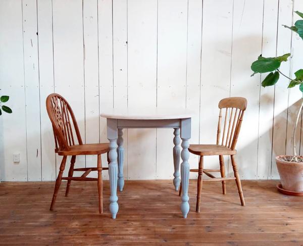 フレンチシックなオーバルテーブル