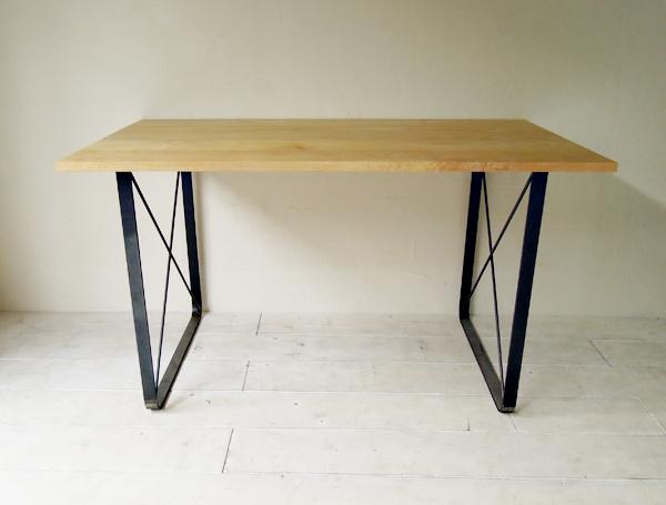 鉄脚ダイニングテーブル、アッシュ無垢板天板はサイズオーダー可
