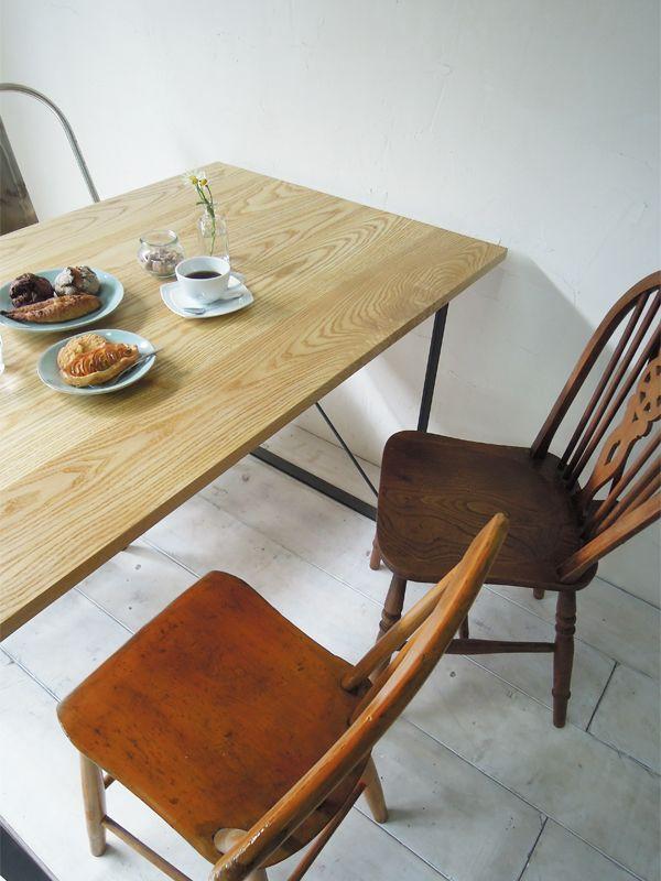 4人掛け鉄脚テーブル