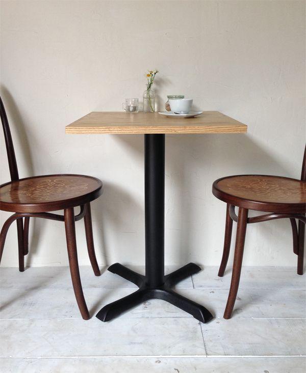 飲食店カフェ向けの鉄脚テーブル550角、ホワイトアッシュ無垢板