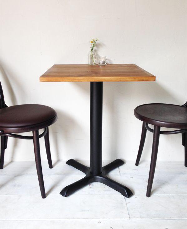 飲食店カフェ向けの鉄脚テーブル550角、パイン無垢板
