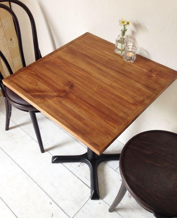 業務用テーブル、アンティーク調ブラウン色