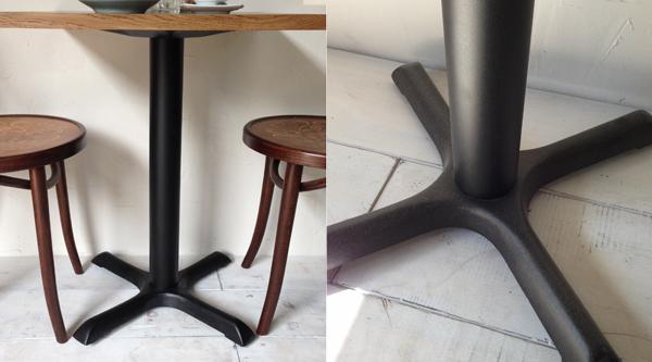 ホワイトオーク材を使った鉄脚テーブル
