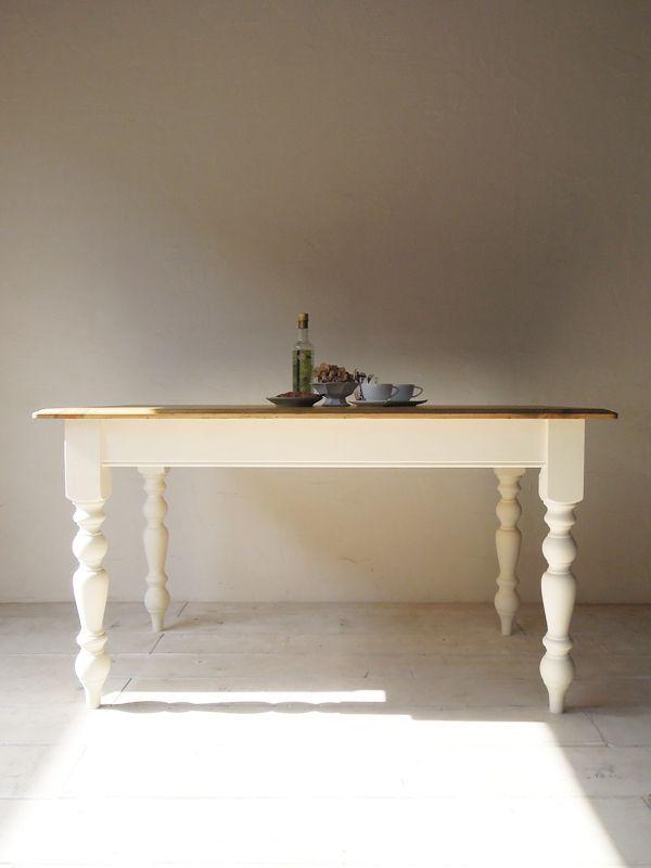 アンティークホワイトダイニグテーブル