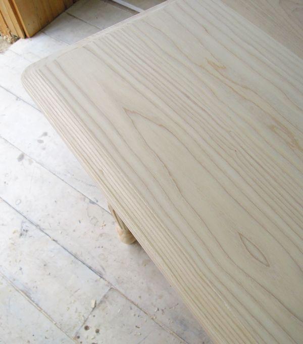 ホワイトアッシュのダイニングテーブル