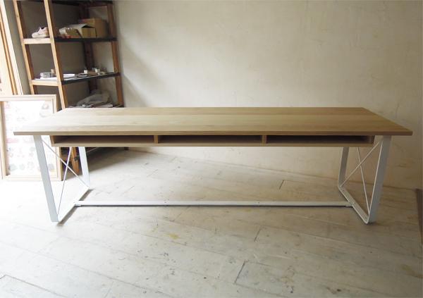 棚つき鉄脚ダイニングテーブル